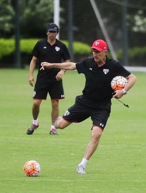 Edgardo Bauza, São Paulo (Foto: Marcos Ribolli)