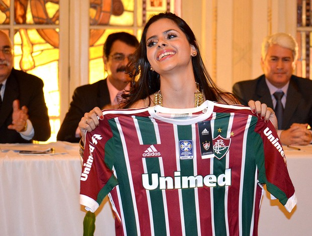 Mira Callado, do The Voice Brasil, recebe homenagem do Fluminense (Foto: Kacia Mattos)