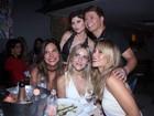 Paolla Oliveira, Monique Alfradique e Julianne Trevisol curtem festa