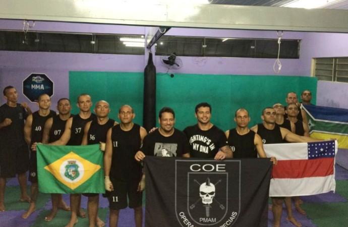Adriano Martins treina policiais do CATE (Foto: Arquivo Pessoal)