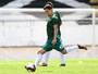 Leo Costa treina com bola e fica muito próximo de retorno ao Santa Cruz