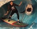 """Jaque """"surfa com tubarão"""" e manda recado para Medina: """"Estou treinando"""""""