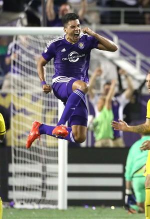 Pedro Ribeiro celebra gol pelo Orlando (Foto: Joe Burbank/Orlando Sentinel via AP)