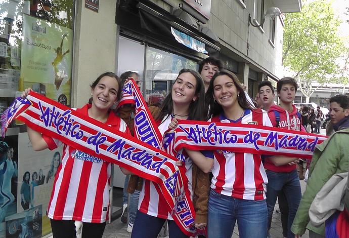 Torcedoras Atlético de Madrid (Foto: Claudia Garcia/GloboEsporte.com)