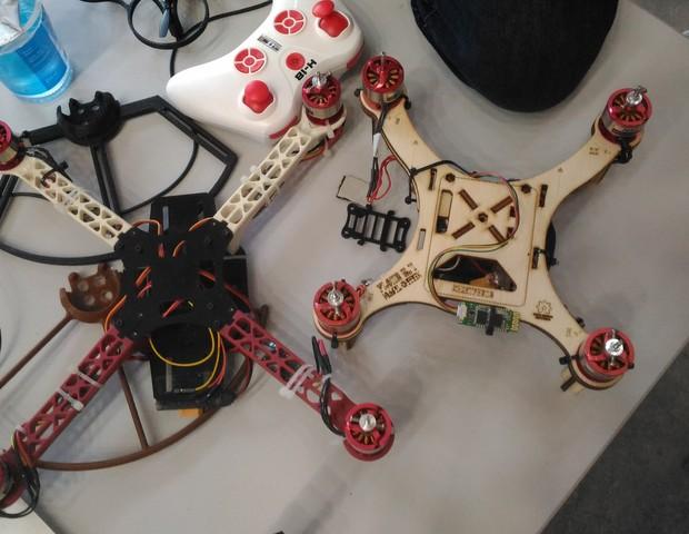 Os drones da Mirante Lab podem ser controlados pelo celular  (Foto: Gabriel Chequer )
