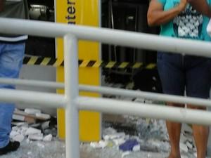 Ação criminosa ocorreu por volta das 3h desta segunda-feira (12) (Foto: G1)