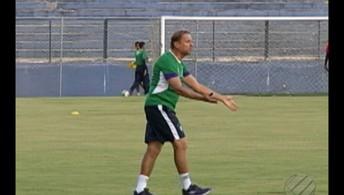 Waldemar Lemos comanda  primeiro treino no Leão