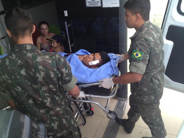 Rafael Gilvan foi transferido para um hospital particular nesta sexta-feira (Foto: Karla Lima/G1)