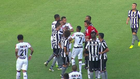 """Dudu vê portas abertas para o Bota e critica Rafael Carioca: """"Não é futebol"""""""