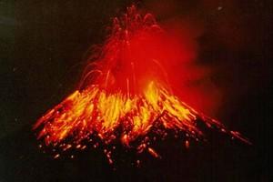 Lava saindo do vulcão Tungurahua em 1999 (Foto: USGS/Wikimedia Commons)