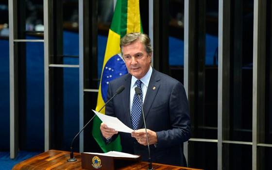 O senador Fernando Collor (PTB-AL) discursa no plenário do Senado Federal  (Foto: Wilson Dias/Agência Brasil)