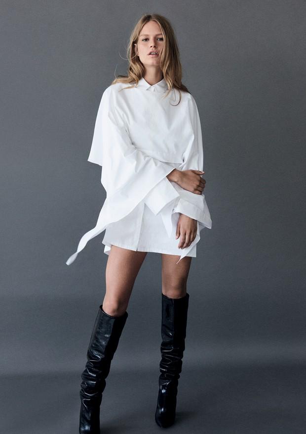 Blusa, R$ 220, sobre camisa, R$ 290, ambas Colcci. Botas, Saint Laurent (Foto: Giampaolo Sgura)