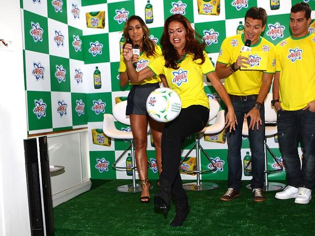 Sabrina Sato, Paloma Bernardi, Rodrigo Faro e Thiago Martins (Foto: Iwi Onodera/EGO)