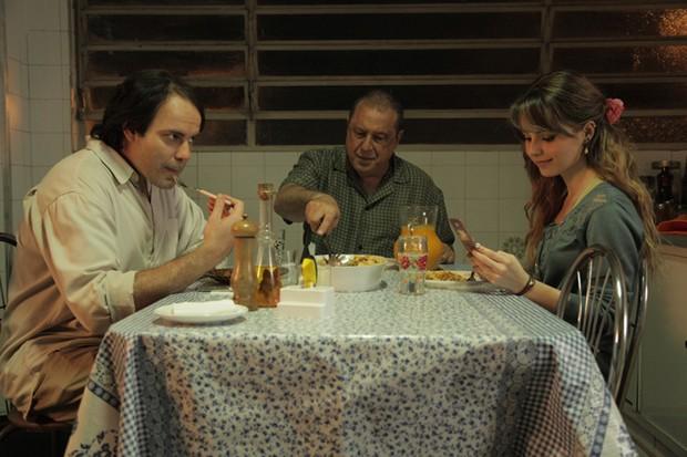 Sandy com Antonio Fagundes no filme Quando Eu Era Vivo (Foto: Divulgação)