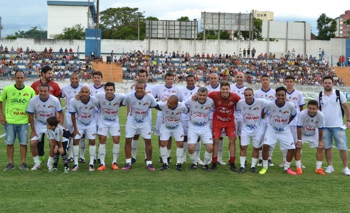 Jogo dos Amigos no Joaquinzão em Taubaté (Foto  Filipe  Rodrigues GloboEsporte.com da88ca3de508f