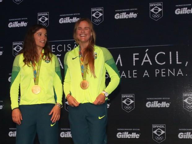 Atletas Martine Grael e Kahena Kunze no Espaço Time Brasil, na Zona Oeste do Rio (Foto: Denilson Santos/ Ag. News)