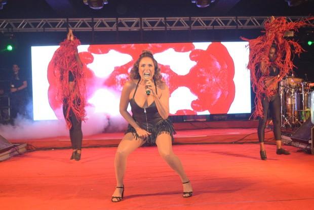 Daniela Mercury em show no Recife (Foto: Felipe Souto Maior/Agnews)