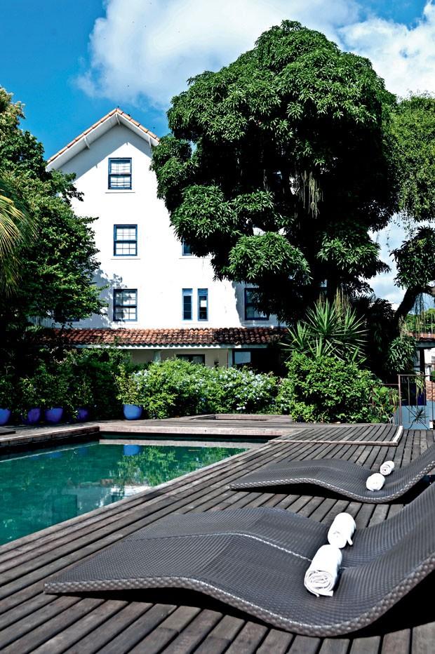 A piscina do exclusivo Hotel Santa Teresa, no bairro de mesmo nome (Foto: divulgação)