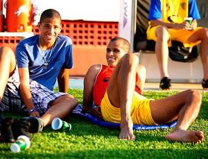 rivaldo rivaldinho mogi mirim treino (Foto: Marcos Ribolli / Globoesporte.com)