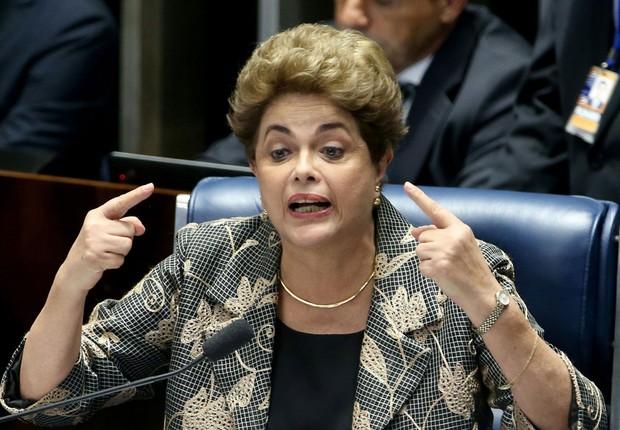 A presidente afastada Dilma Rousseff faz sua defesa durante sessão de julgamento do impeachment no Senado (Foto: Wilson Dias/Agência Brasil)