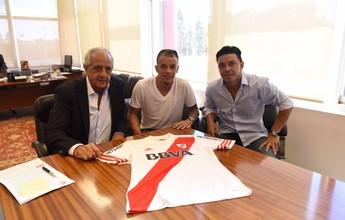 D'Alessandro oficializa retorno e assina com o River Plate até o final de 2016