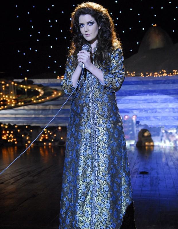 Atriz usa roupa original de Maysa na série sobre a cantora (Foto: Renato Rocha Miranda/ TV Globo)