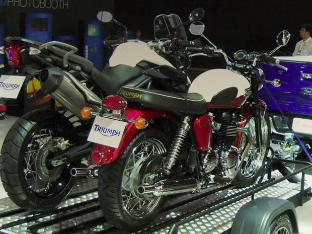 Tiger 800XC e Bonneville estão expostas no Salão de São Paulo (Foto: Divulgação)