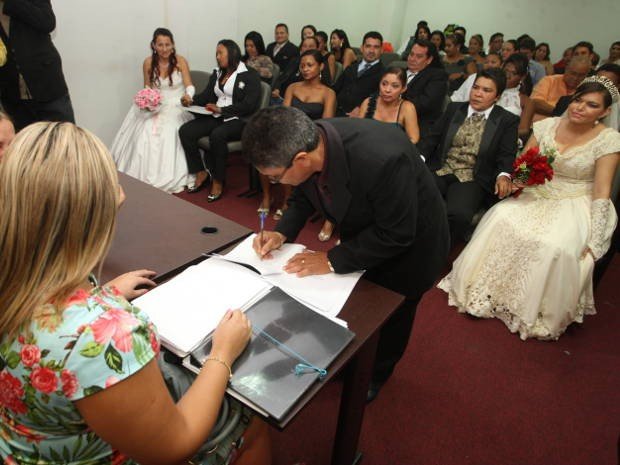 Novo casamento homoafetivo comunit&#225;rio ser&#225; realizado ainda em 2012 (Foto: Igor Mota/ Amaz&#244;nia Jornal)