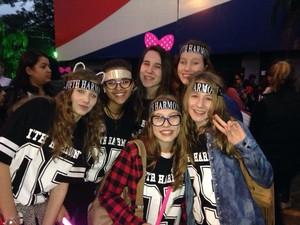 Fãs da Fifth Harmony viajaram 150 km até Porto Alegre (Foto: Hygino Vasconcellos/RBS TV)