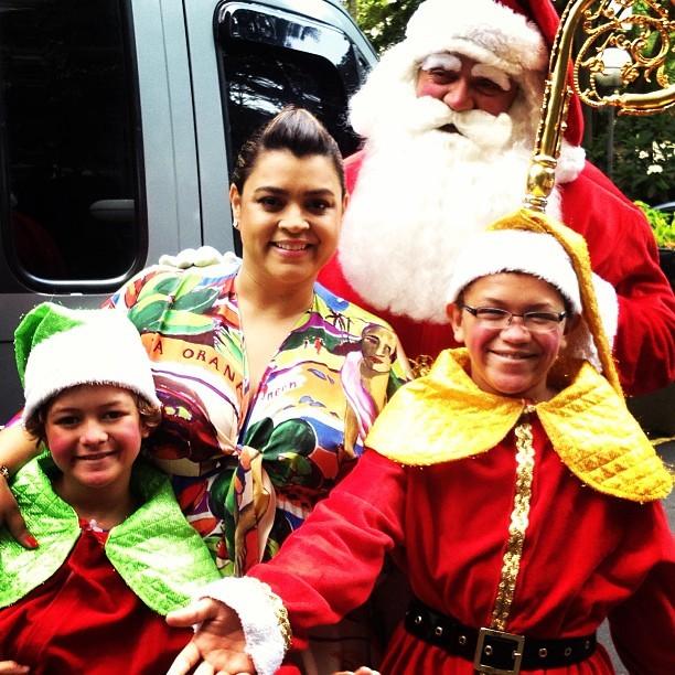 Preta Gil com o Papai Noel (Foto: Instagram / Reprodução)