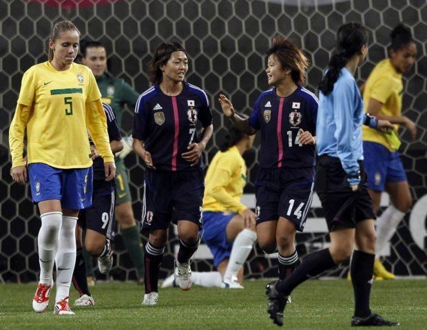 Brasil x Japão no futebol feminino (Foto: Reuters)