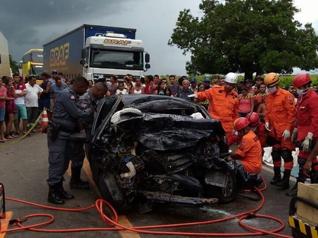 Acidente aconteceu neste sábado (25), em Entrocamento (Foto: Ronalde Silva / Divulgação)