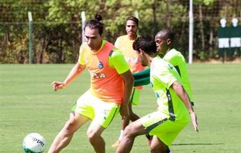 Em boa fase, Léo Gamalho divide mérito por gols com restante do time