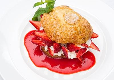 Morango com crème fraîche - restaurante The Living Room (Foto: reprodução/Restaurante The Living Room)