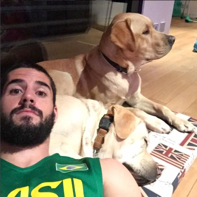 Isco cachorro Messi (Foto: Reprodução / Instagram)