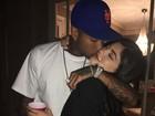 Kylie Jenner posa agarradinha com o namorado, Tyga