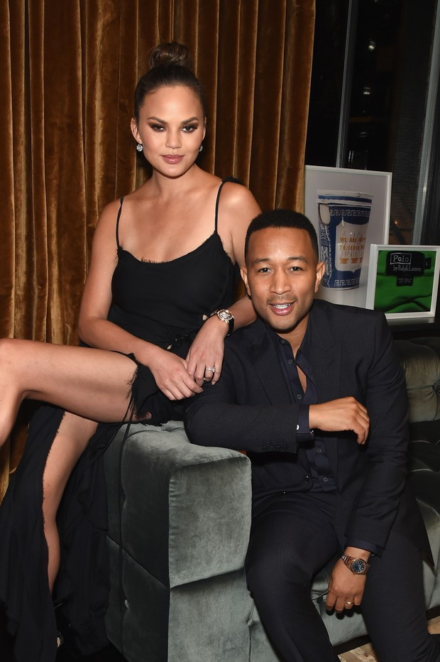 Chrissy Teigen e John Legend em evento em Nova York, nos Estados Unidos (Foto: Jamie McCarthy/ Getty Images/ AFP)