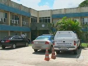 Adolescentes fizeram exame de corpo de delito no DPT de Feira de Santana, Bahia (Foto: Reprodução TV Bahia)
