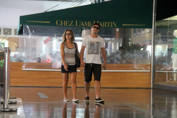 Thiago Rodrigues e Cristiane Dias (Foto: Daniel Delmiro/AgNews)
