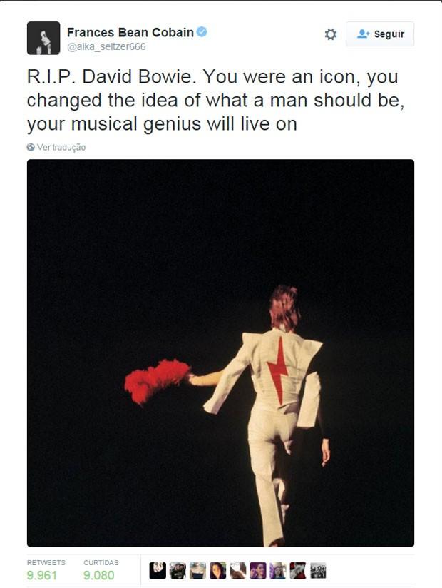 Frances Bean Cobain, filha de Kurt Cobain e Courtney Love, postou uma mensagem no Twitter em homenagem a David Bowie (Foto: Reprodução/Twitter/Frances Bean Cobain)