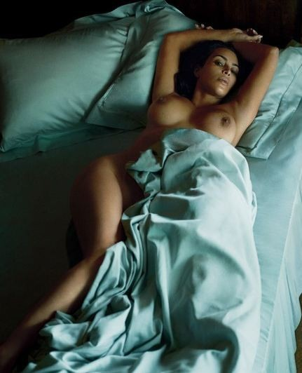 Kim Kardashian em foto para a GQ americana (Foto: r)