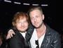 Uepa! Ed Sheeran pega nas partes íntimas de Ryan Tedder