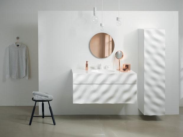 Banheiro inspirado nas ondas do mar (Foto: divulgação)