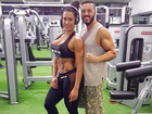 Belo malha juntinho com Gracyanne Barbosa e posta foto