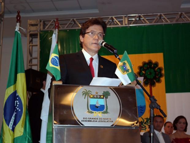 Empossado governador do Rio Grande do Norte, Robinson Faria (PSD) inicia discurso durante posse (Foto: Gabriela Freire/G1)