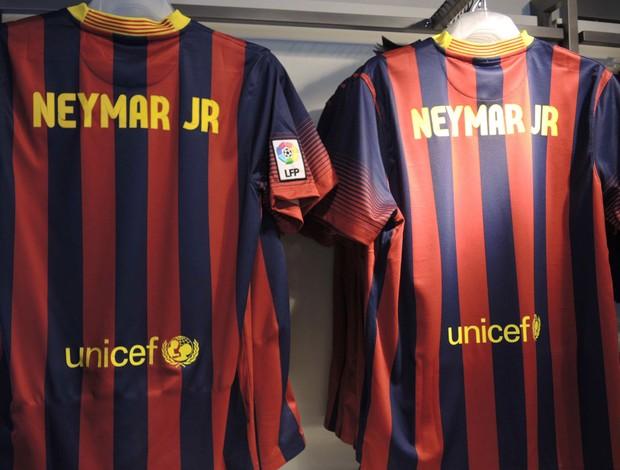 f03e52c411 Sem número, camisa de Neymar é vendida a R$ 254 na loja do Barcelona ...