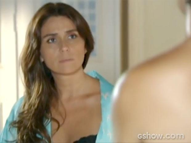 Clara está disposta a tudo por Cadu  (Foto: Em Família/TV Globo)
