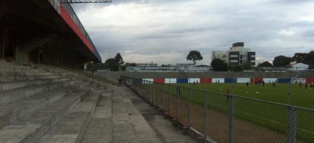 Vila Olímpica, estádio do Paraná Clube (Foto: Fernando Freire/GLOBOESPORTE.COM)