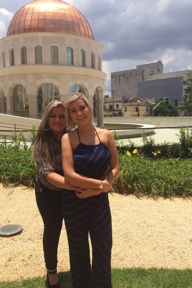 Andressa Urach com a mãe, Marisete (Foto: Divulgação)