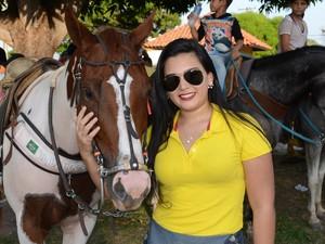 Estudante Caroliny Lopes, 22 anos, possui aproximadamente 12 anos de atividades (Foto: Adonias Silva/G1)